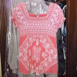 Coral and White Patterned Women's Top